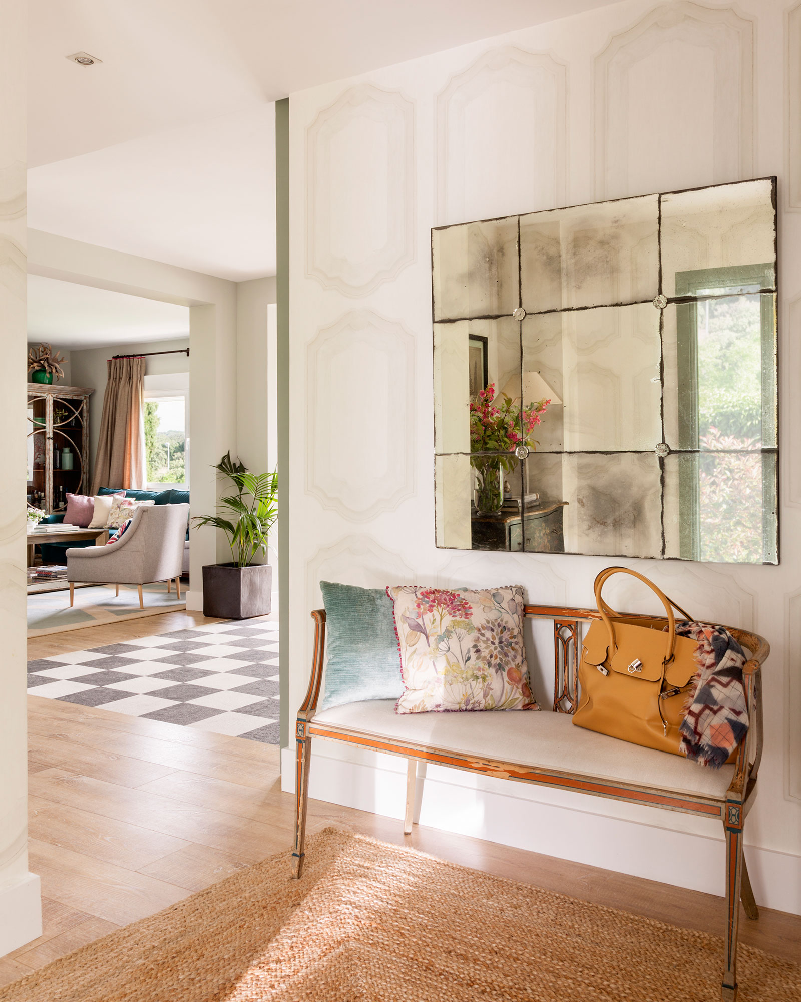 Decora las paredes de tu casa 15 ideas f ciles y de moda - Decoracion con papel pintado y pintura ...