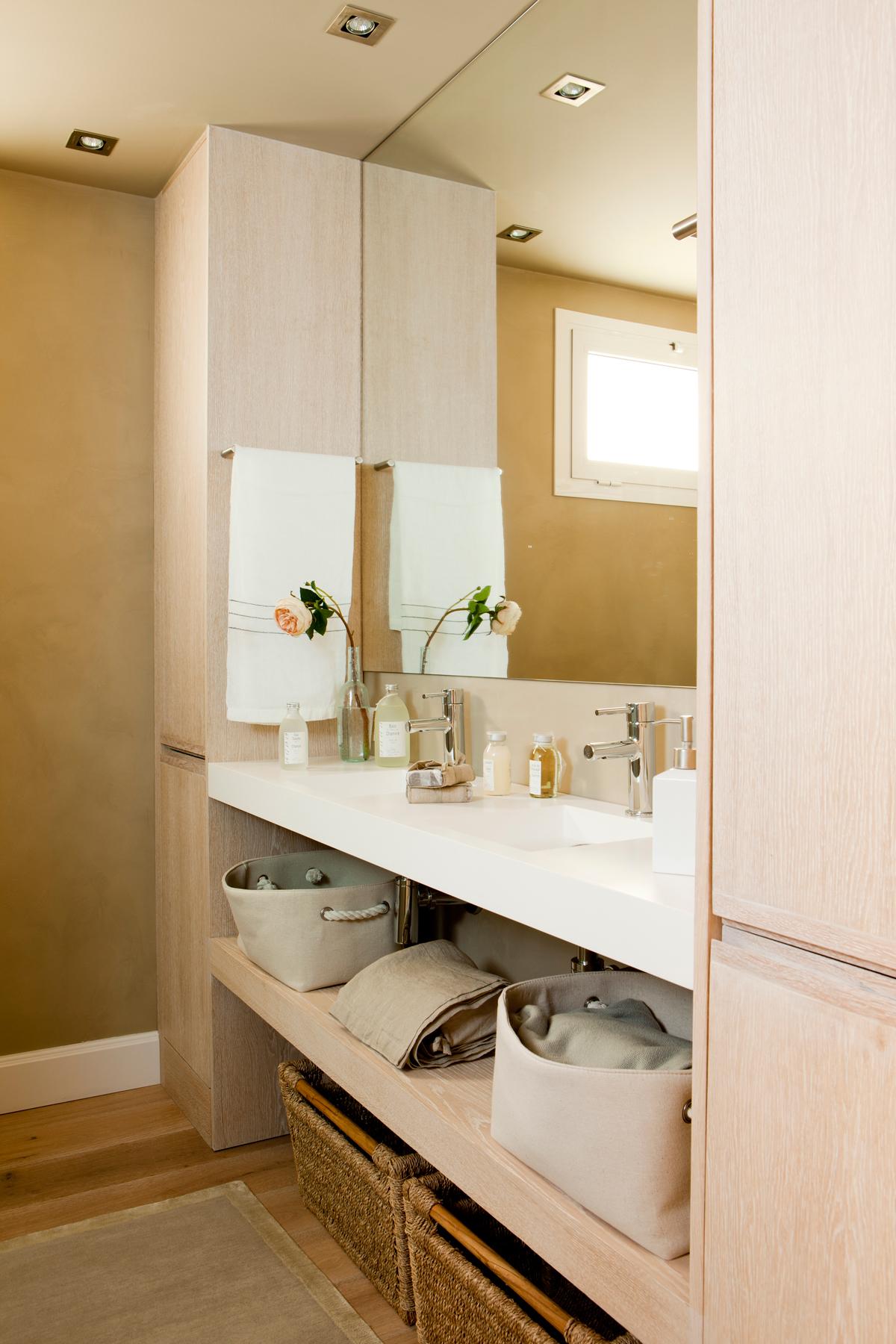 Bonito armarios ba o con espejo im genes armario bano - Armario de bano con espejo y luz ...
