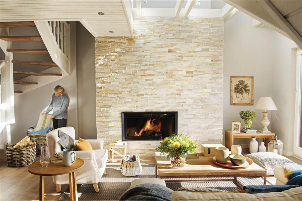 Casa r stica en la monta a en tonos blancos y aire n rdico for Decoracion piso montana