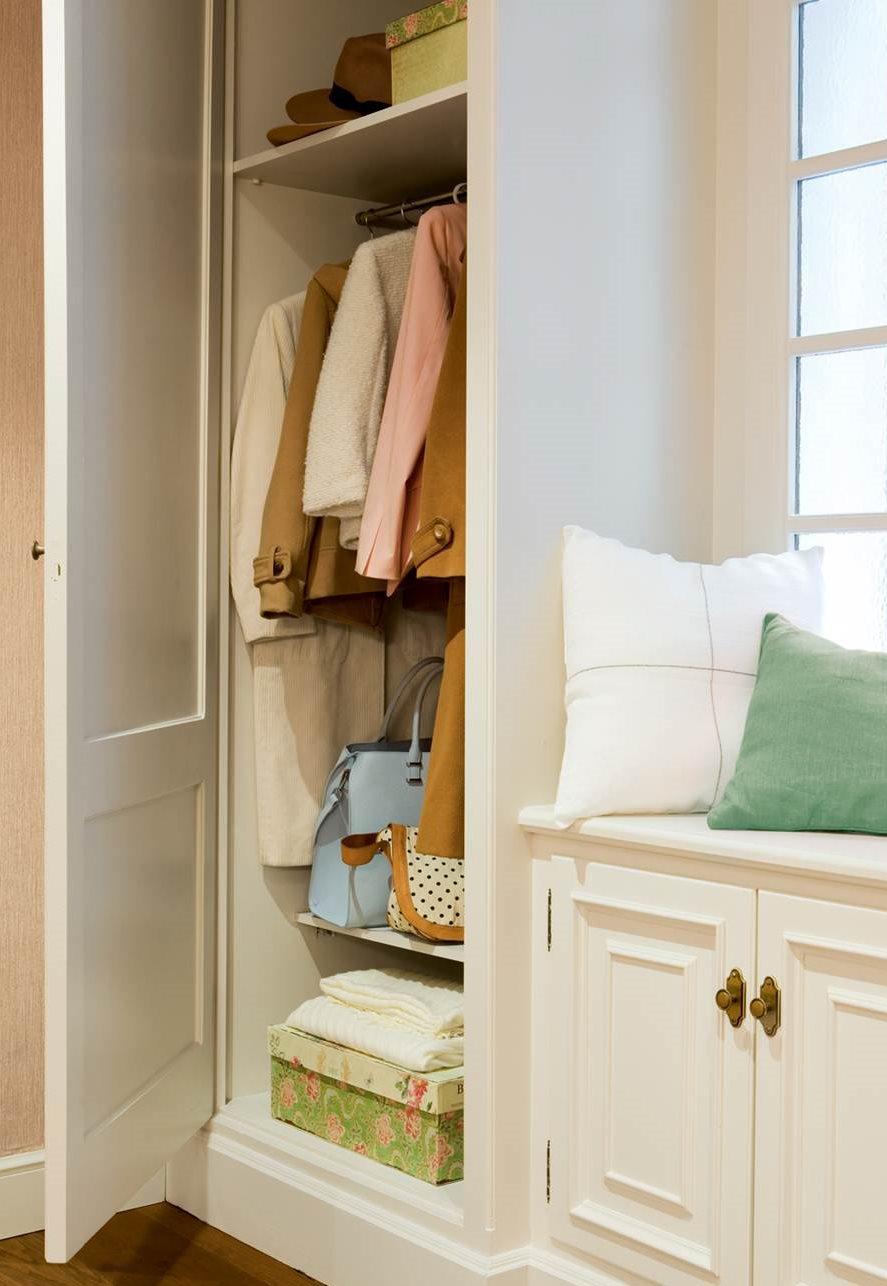 armario a medida en recibidor para abrigos y zapatos