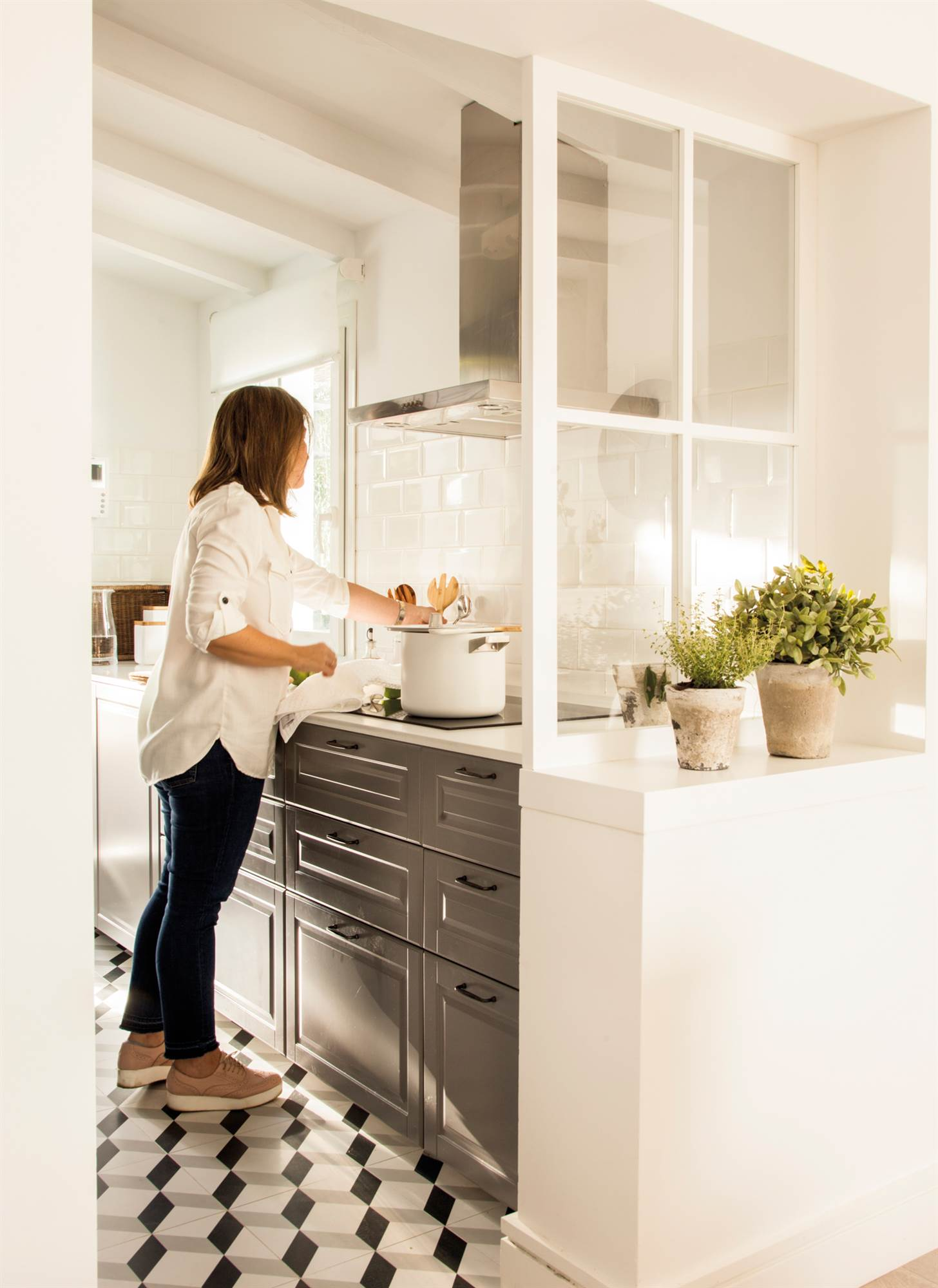 Decora en blanco y negro for Cocina con electrodomesticos de color negro