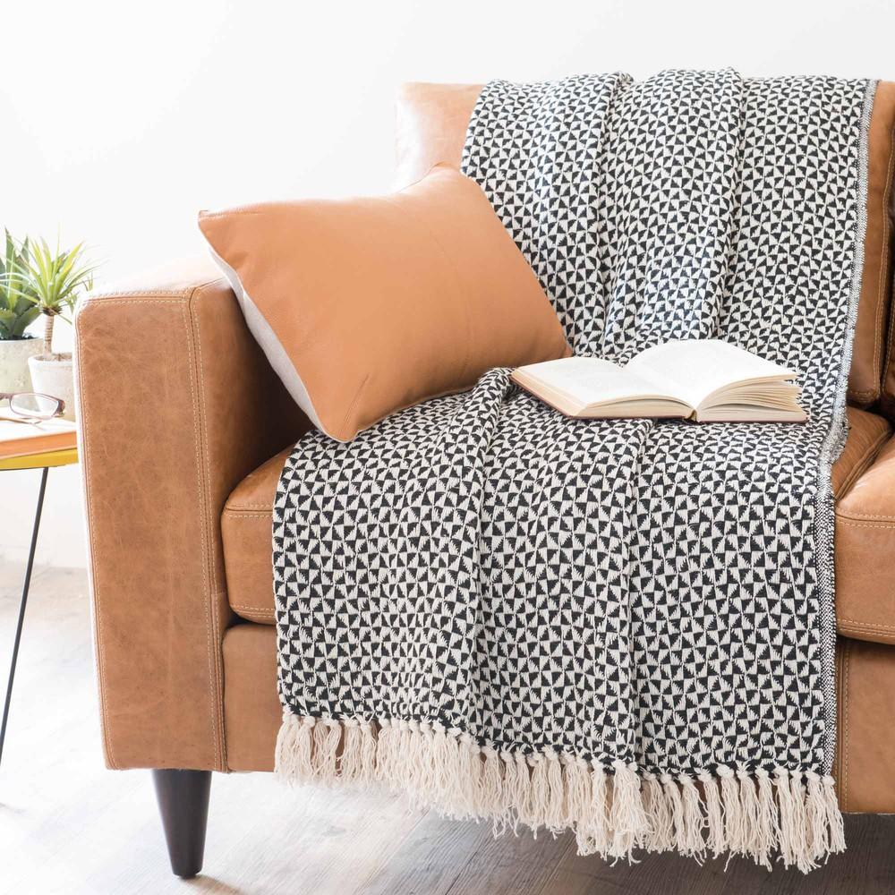 decora en blanco y negro. Black Bedroom Furniture Sets. Home Design Ideas