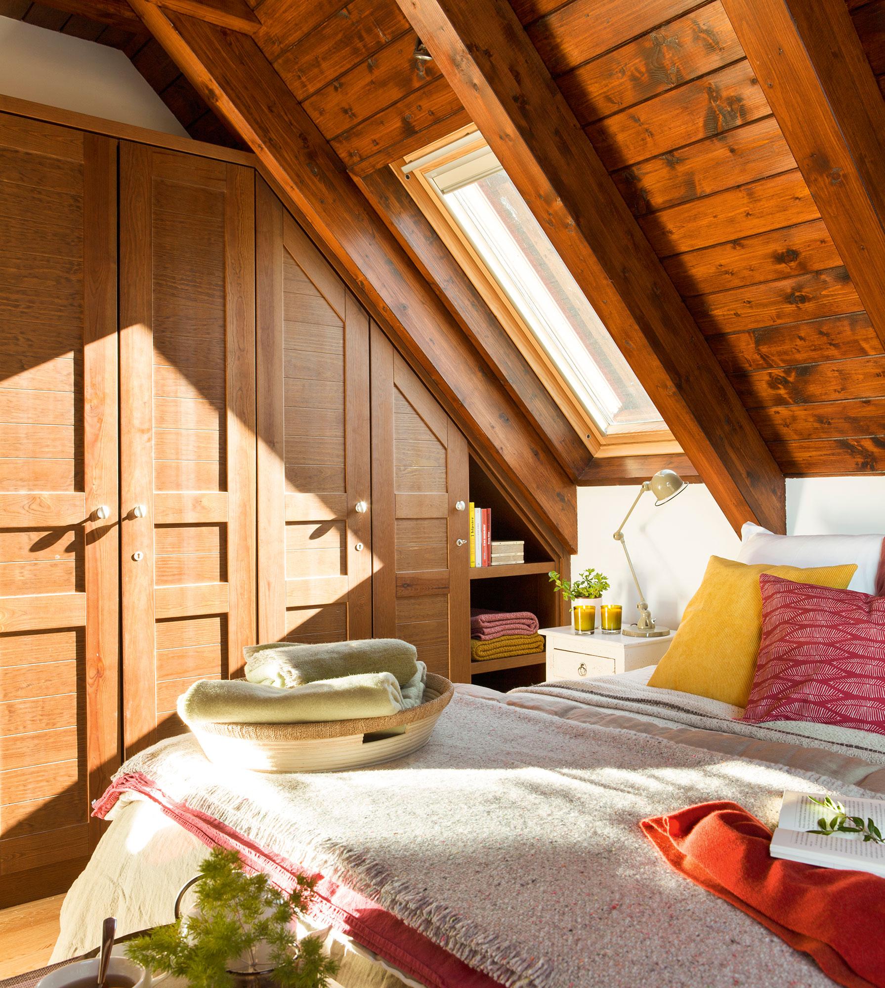 dormitorio rstico y armario de madera