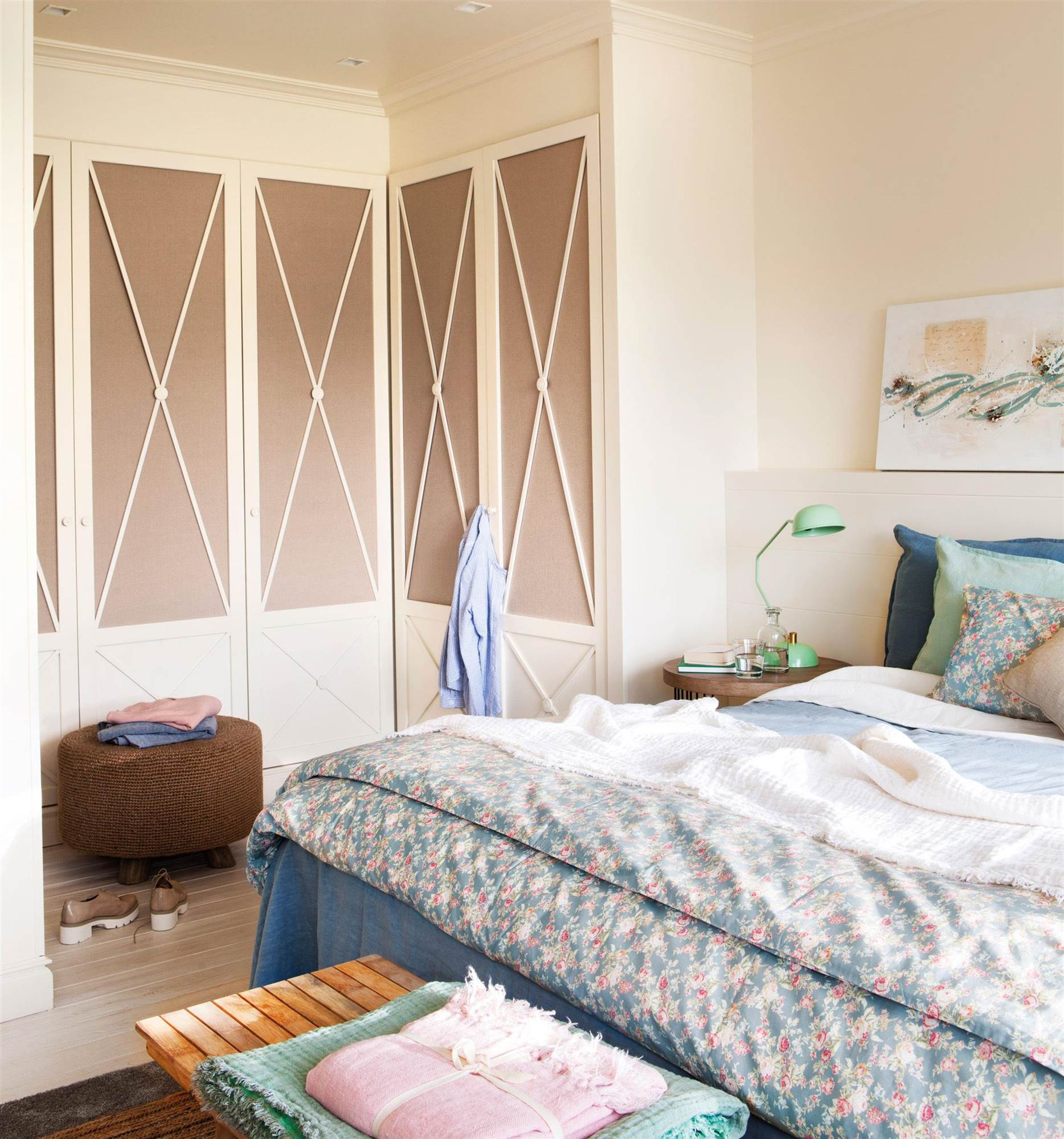 Decorar puertas de armarios ideas para pintar y decorar - Decorar puertas de armario ...