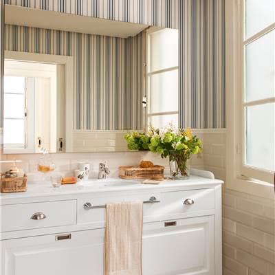 Muebles ba o for Papel pintado madera blanca
