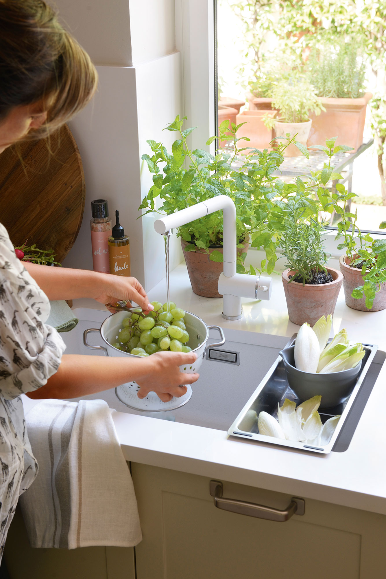 Grifer as de cocina que ahorran - Griferia cocina blanco ...