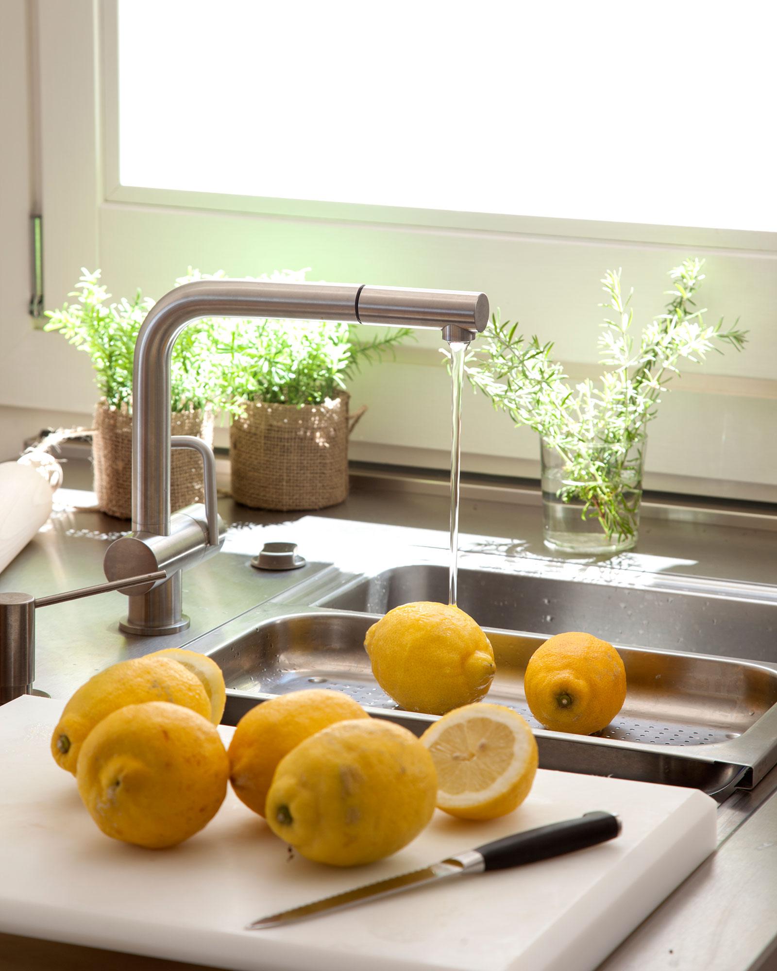 Griferias de cocina awesome detalle de grifera de cocina - Griferia para cocina ...