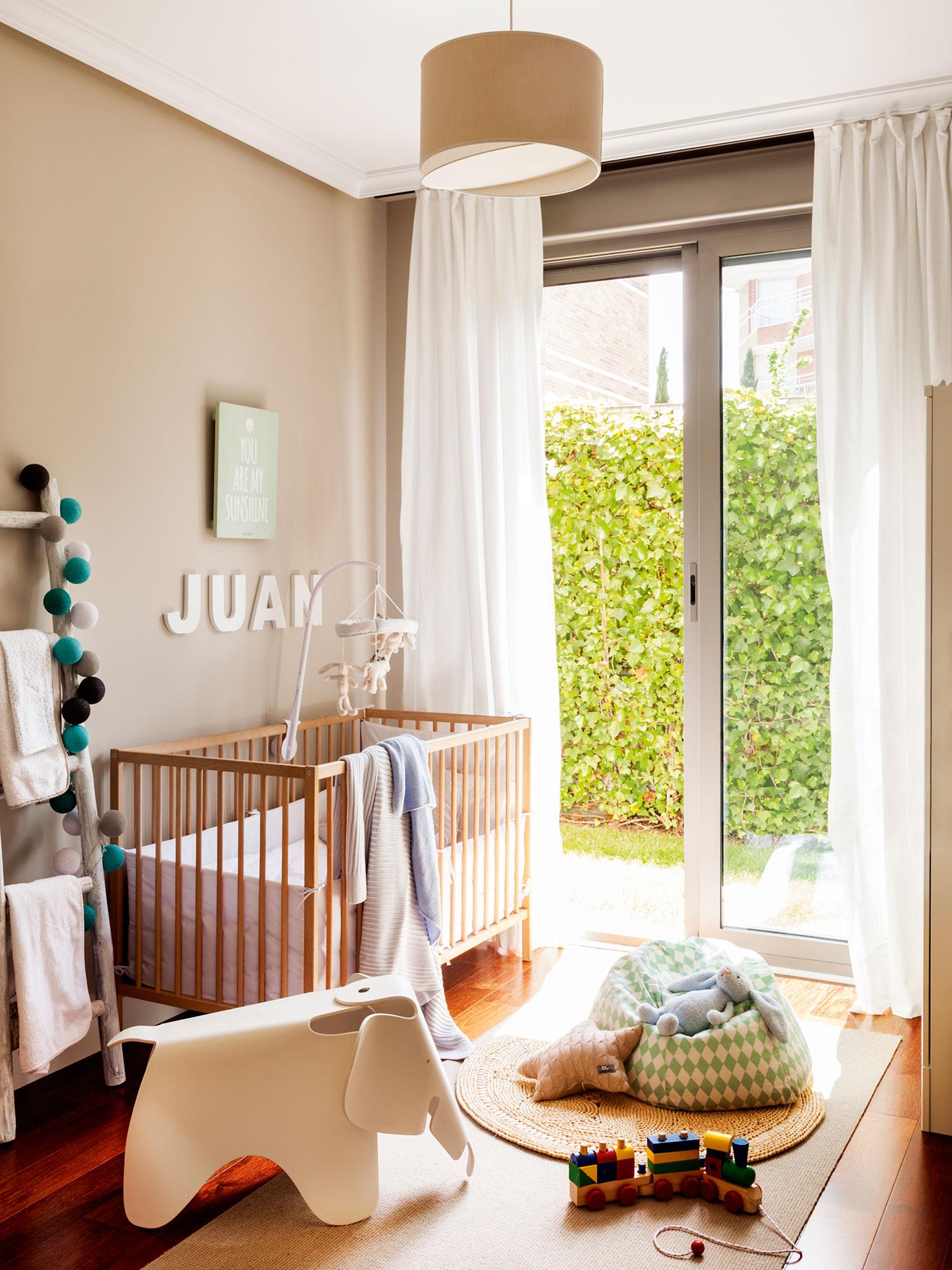 habitacin de beb con cuna
