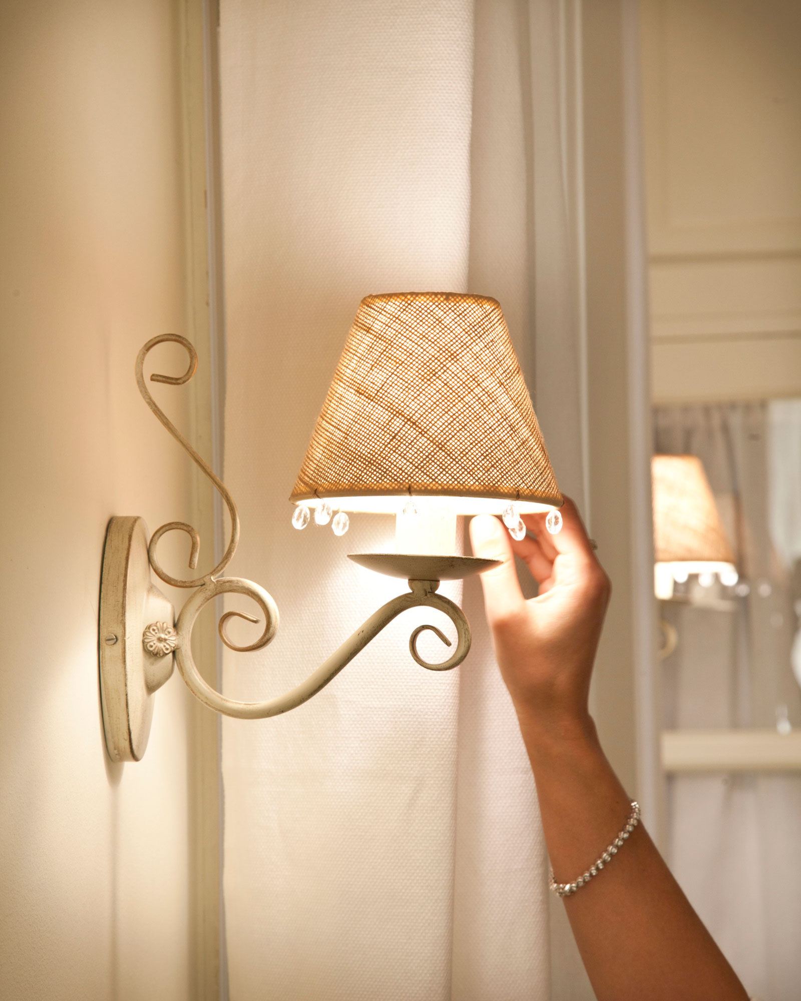 C mo iluminar tu casa sin cometer los errores m s habituales - Lamparas para hacer en casa ...