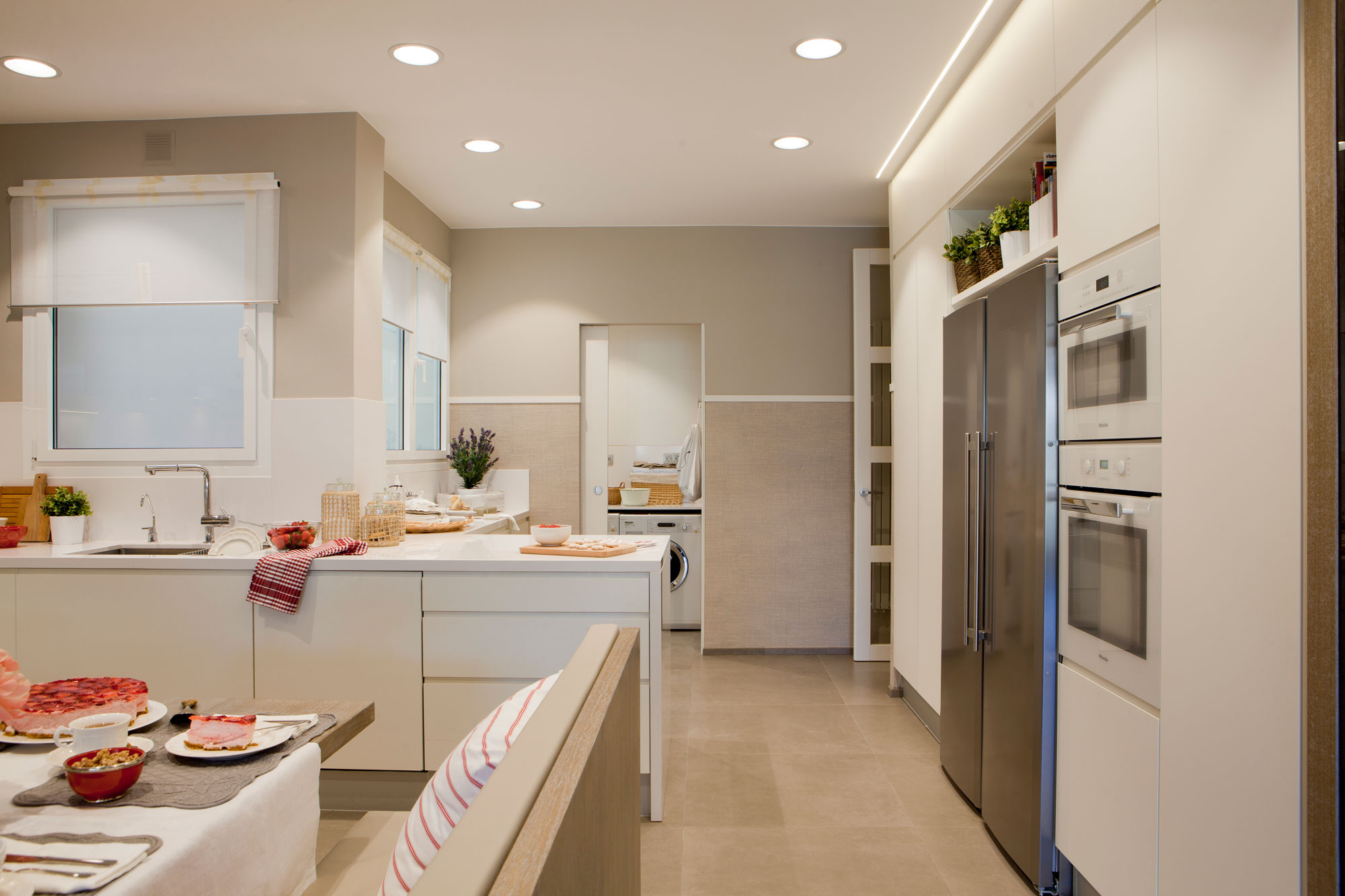 C mo iluminar tu casa sin cometer los errores m s habituales - Focos led techo cocina ...