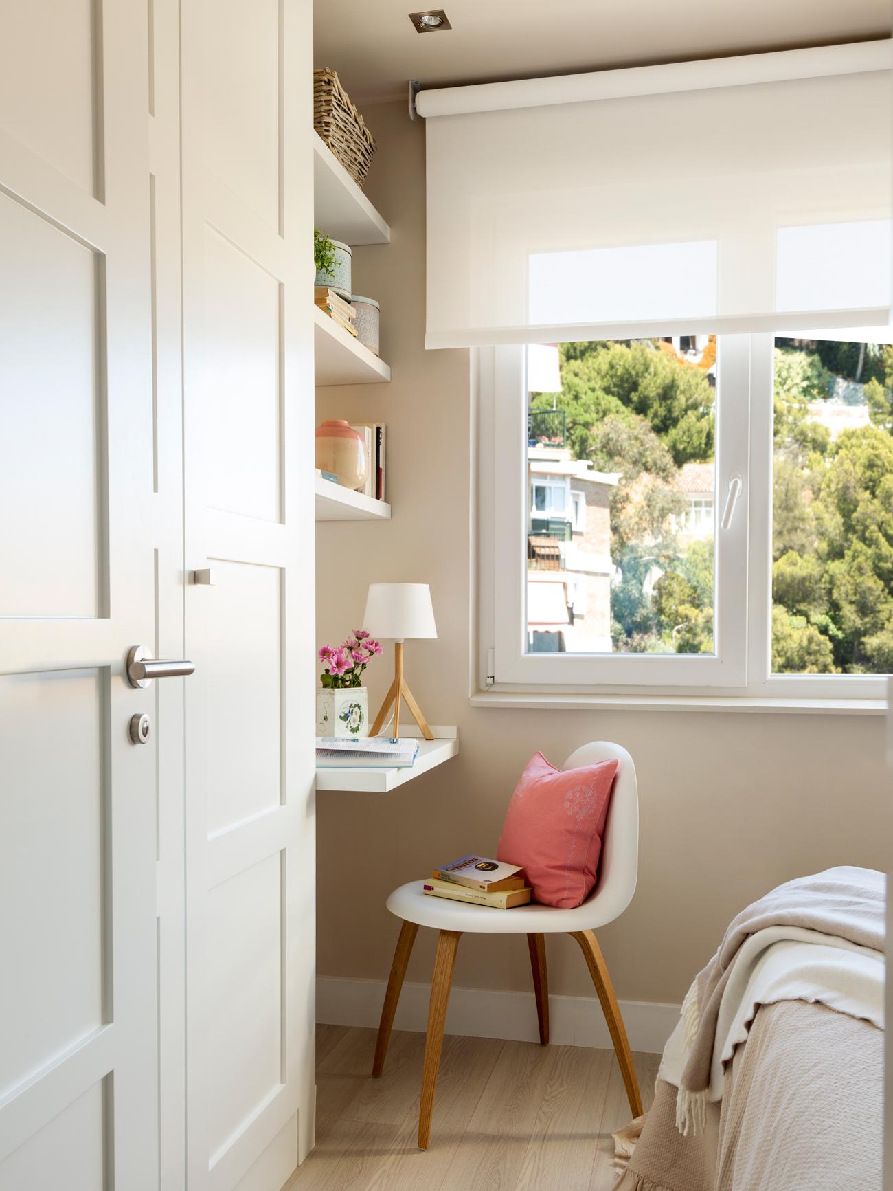 10 ideas geniales para dormitorios peque os - Armario escritorio ikea ...