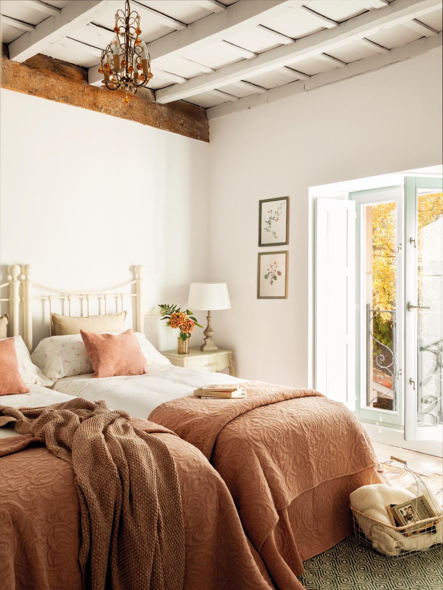Una casa r stica recuperada en los picos de europa - Dos camas en una ...