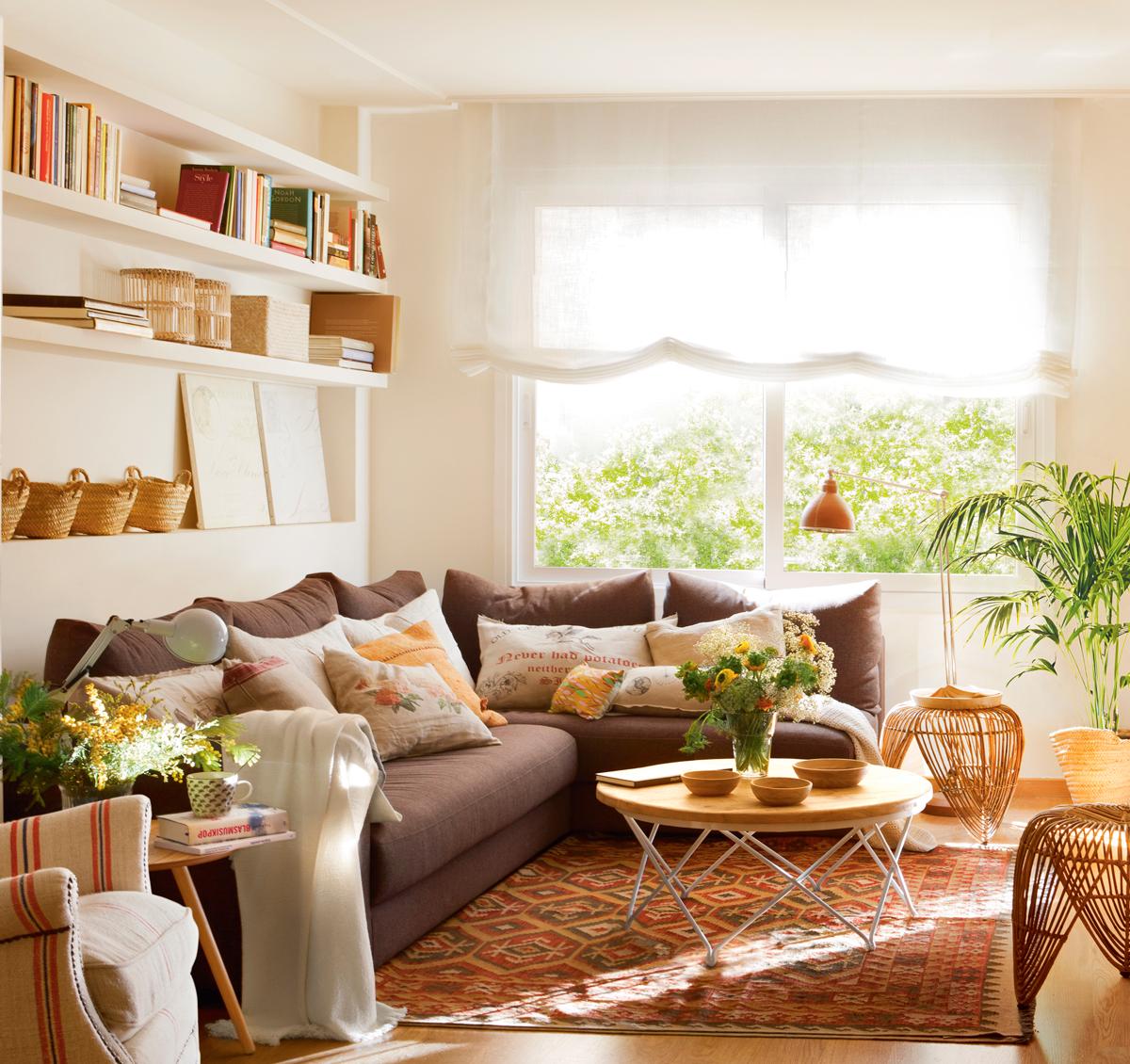 10 ideas geniales para salones peque os - Muebles de mimbre pintados ...