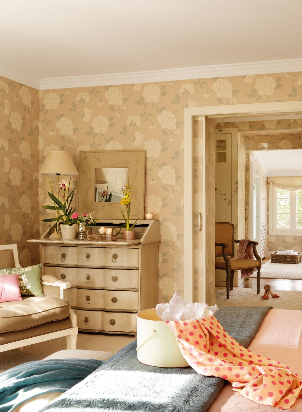 Tres dormitorios para so ar - Papel pintado dormitorio principal ...