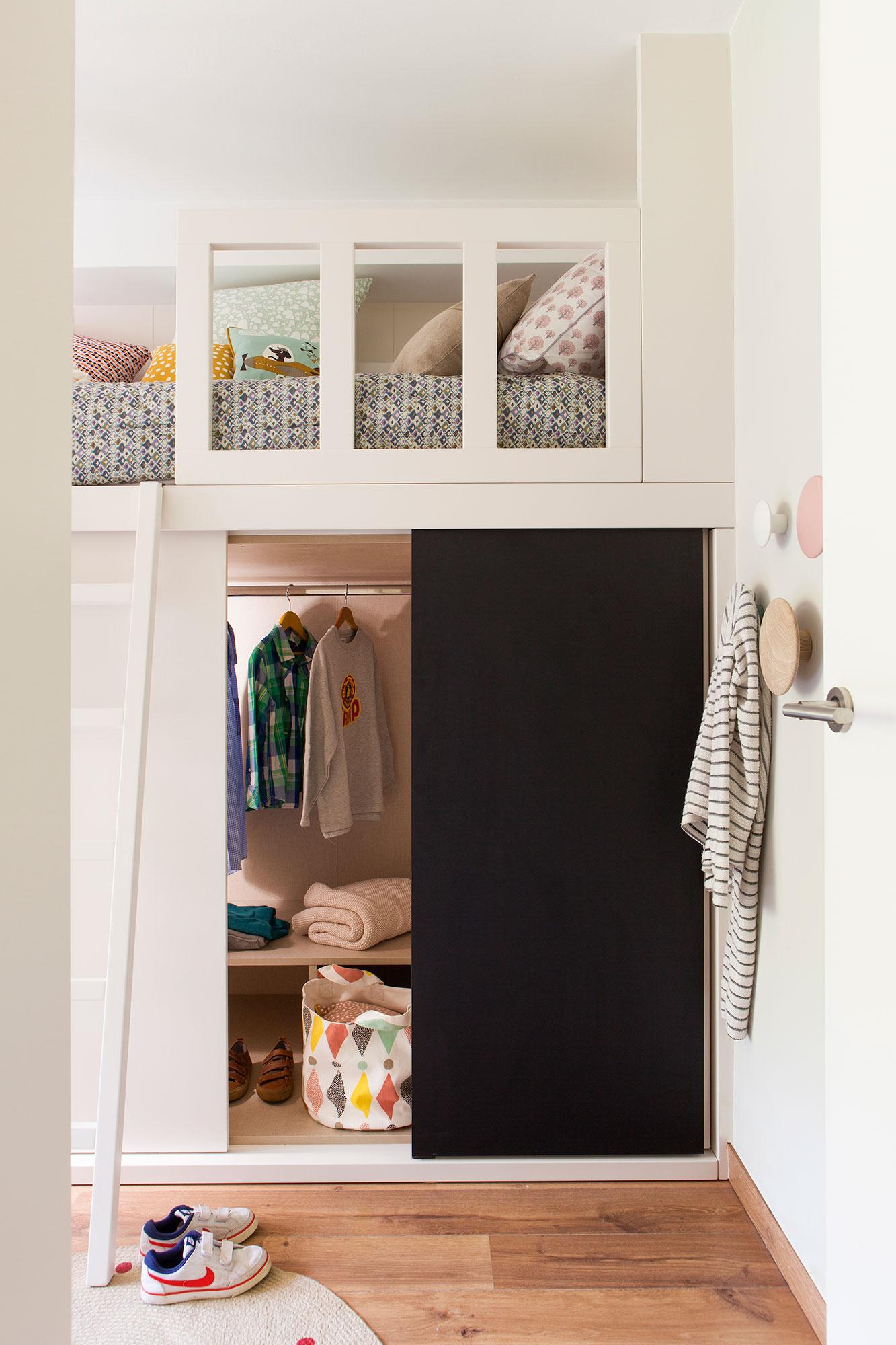 Dormitorios infantiles 7 buenas ideas para compartir - Literas con armario ...