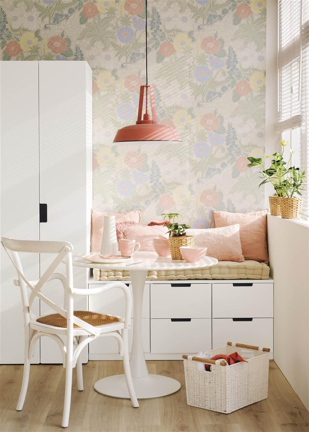 El mismo mueble tres usos distintos for Papel pintado cocina ikea