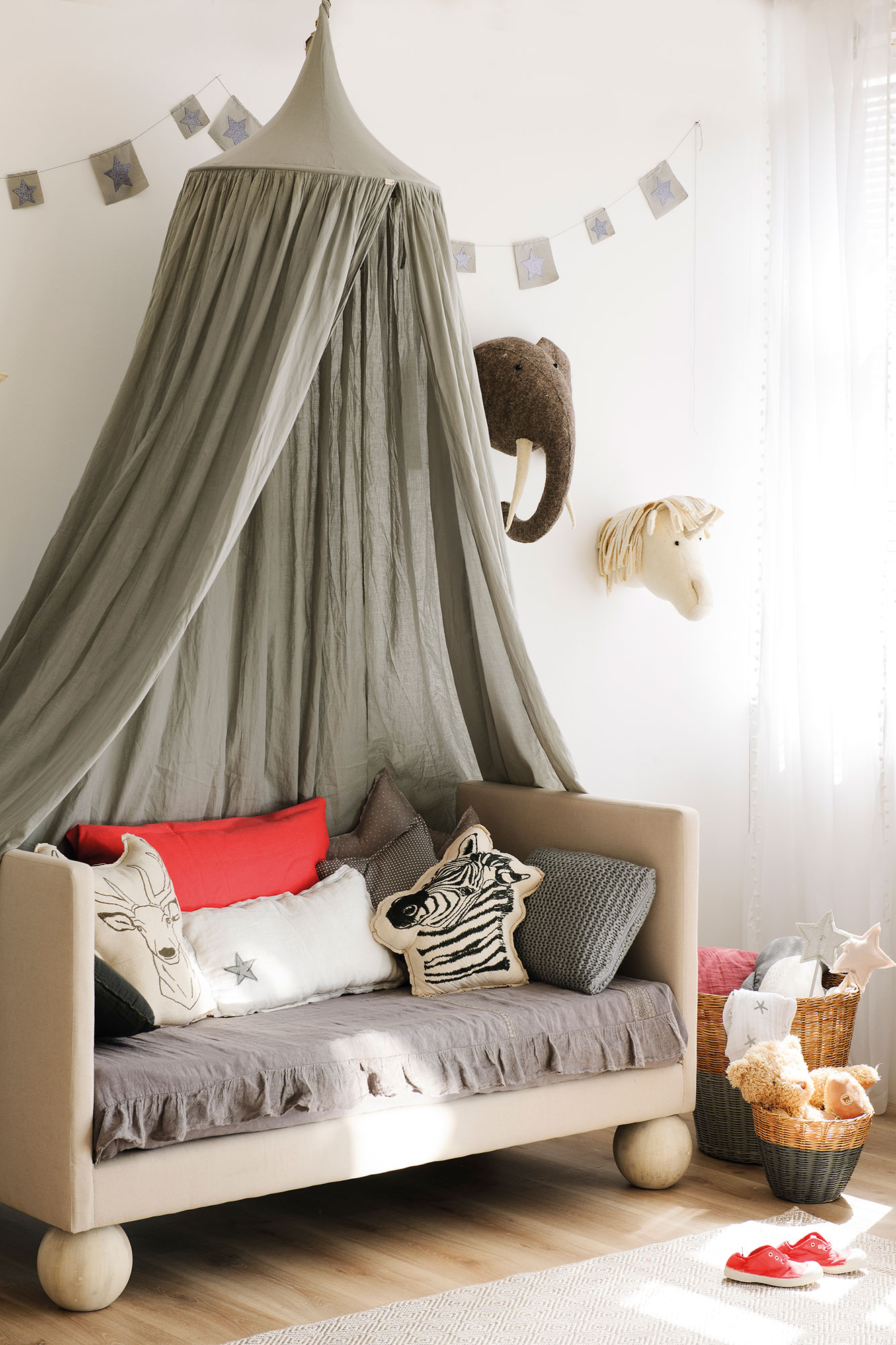 Chambre d 39 enfant color e ou sobri t envie 2 deco for Chambre enfant coloree