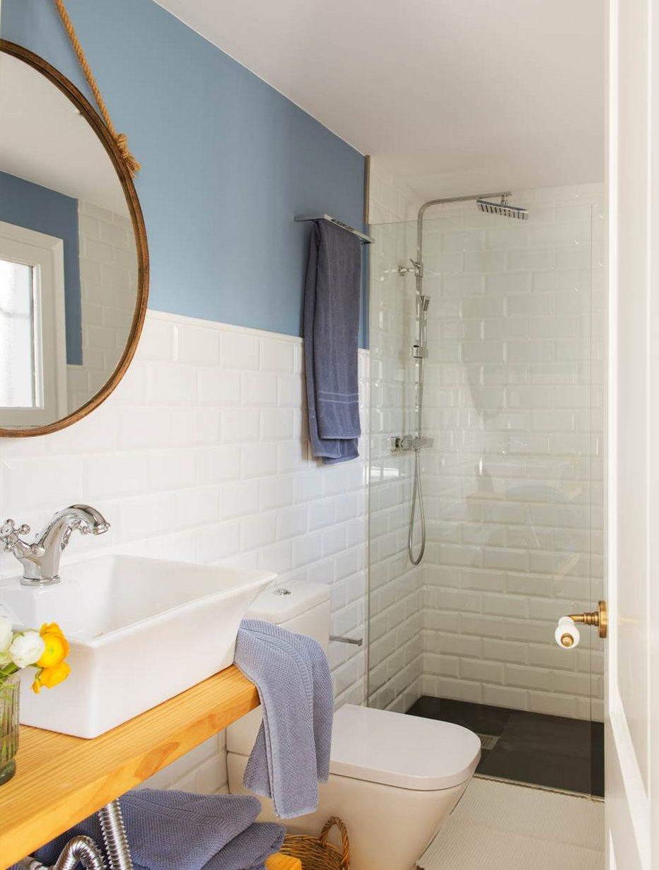 10 ideas geniales para ba os peque os - Papel para azulejos de bano ...
