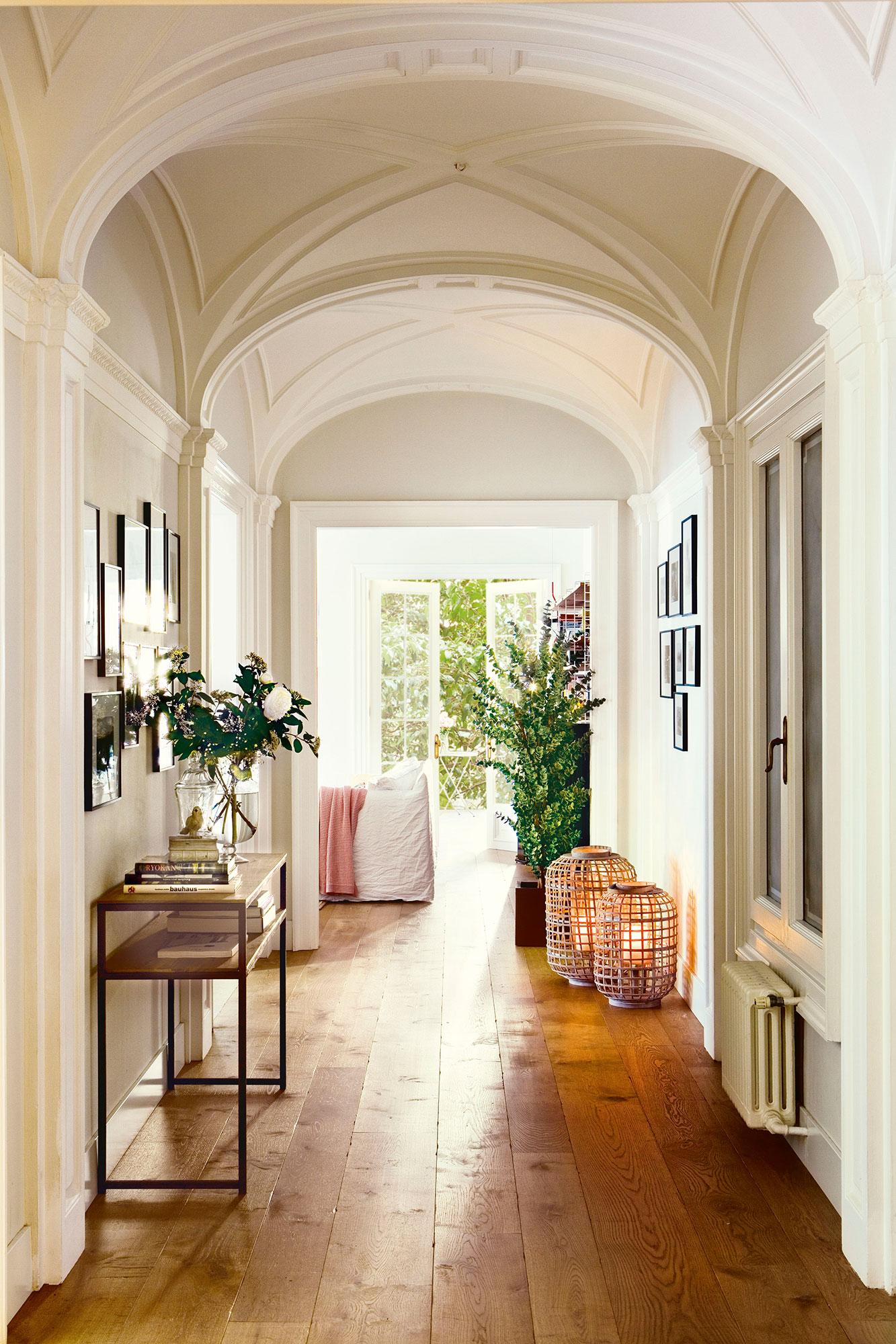 Muebles Para Pasillos Estrechos Al Igual Que Como Entradas O  ~ Decorar Pasillo Estrecho Y Largo