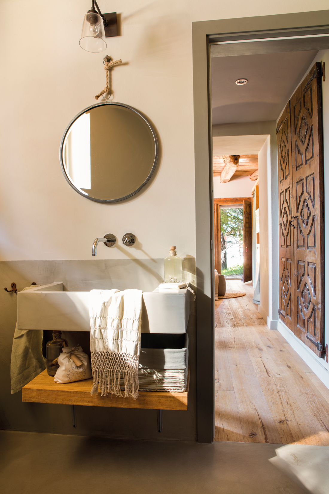 Un lavamanos para cada ba o - Lamparas para espejos de bano ...