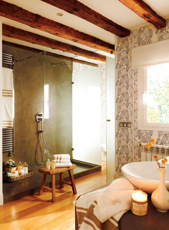 10 ba os con ducha perfectos for Revestimiento de paredes para duchas