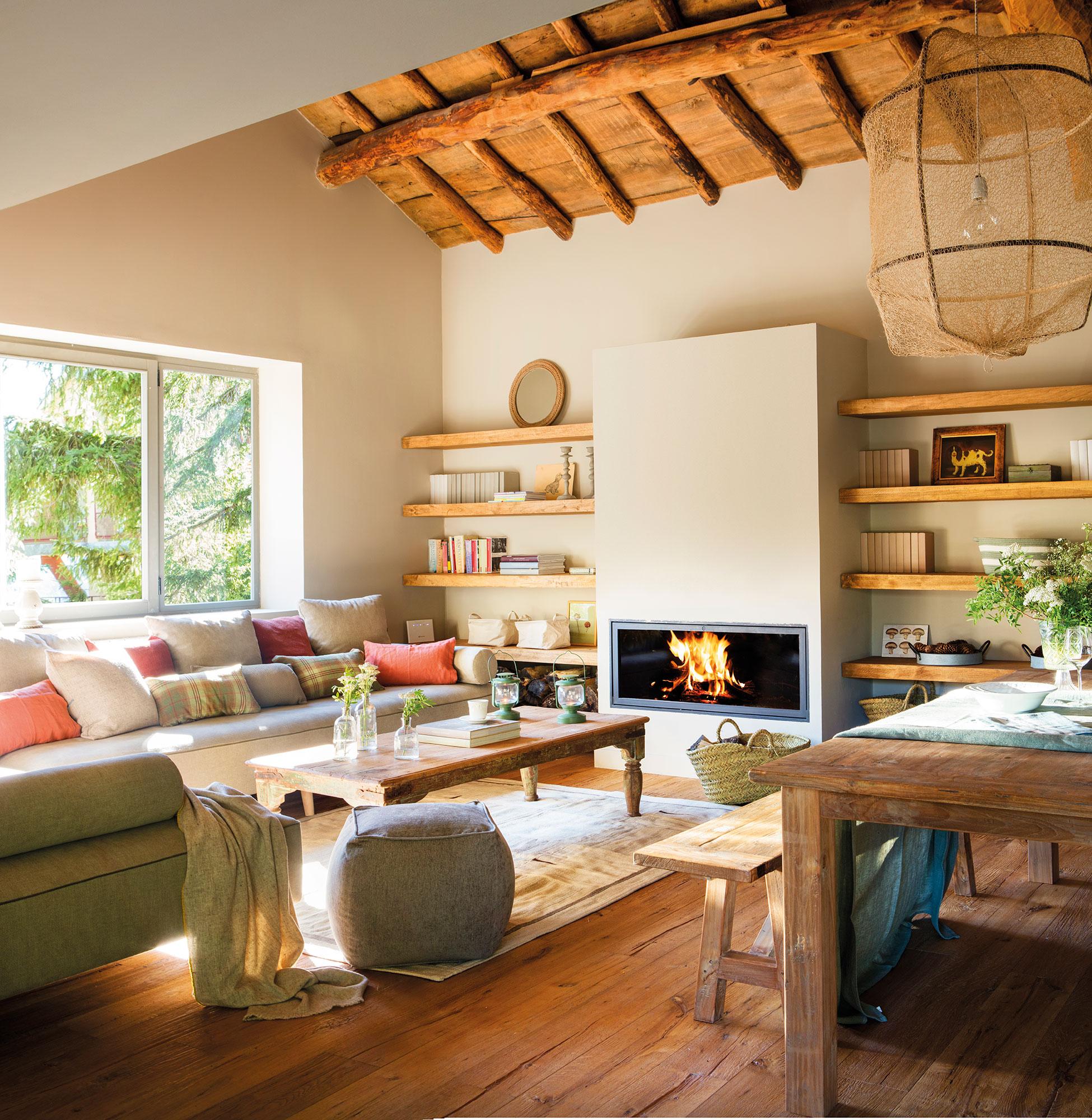 Salones con comedor buenas ideas para compartir espacio - Poner chimenea piso ...