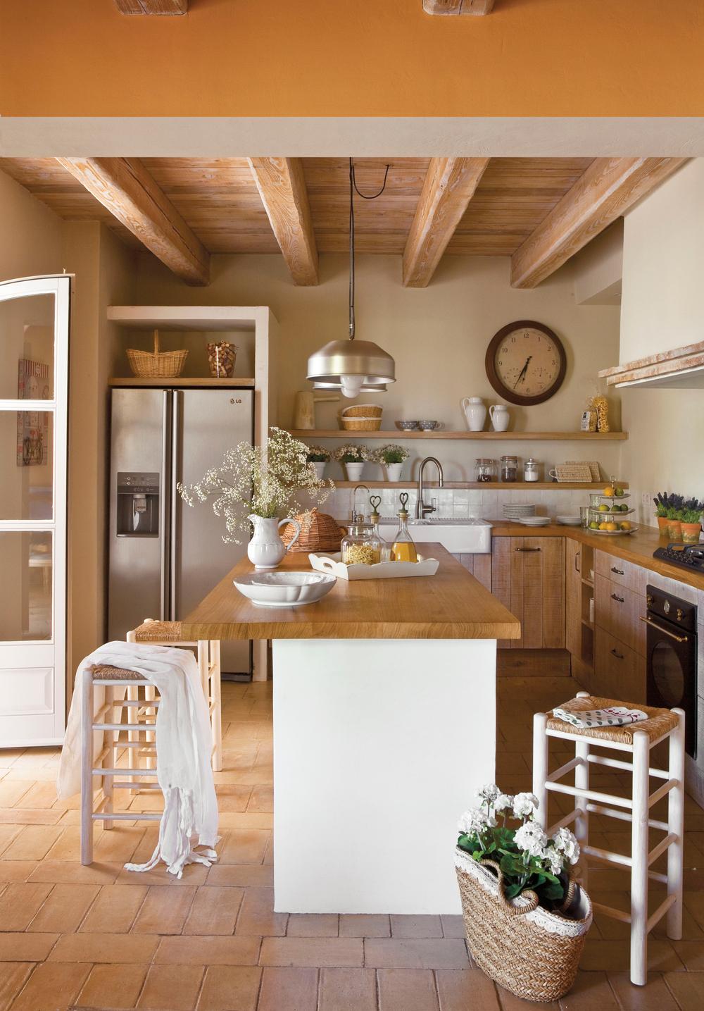 20 cocinas r sticas bonitas con muebles vintage y mucho