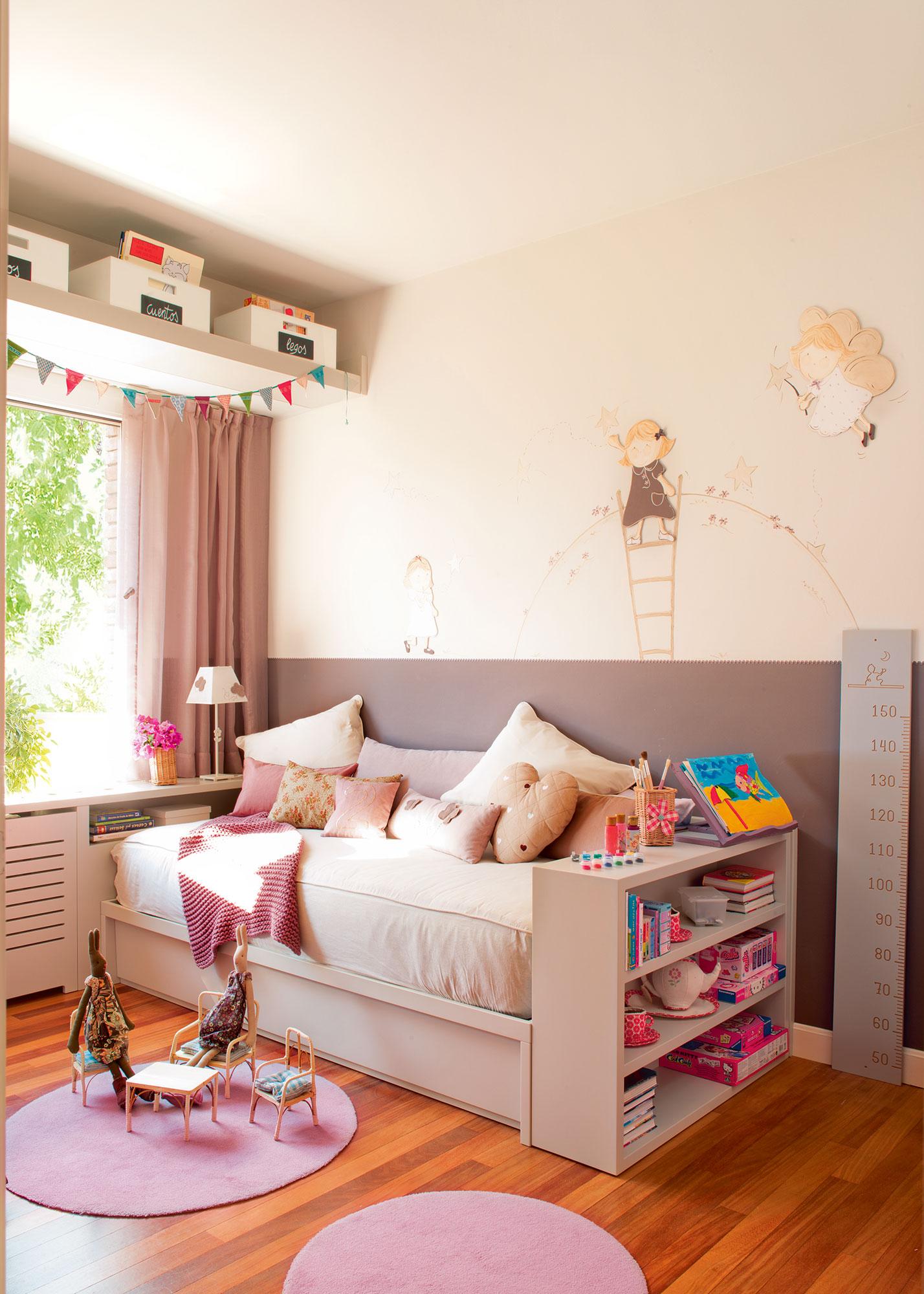 Soluciones para ordenar y guardar los juguetes - Dormitorios infantiles dos camas ...