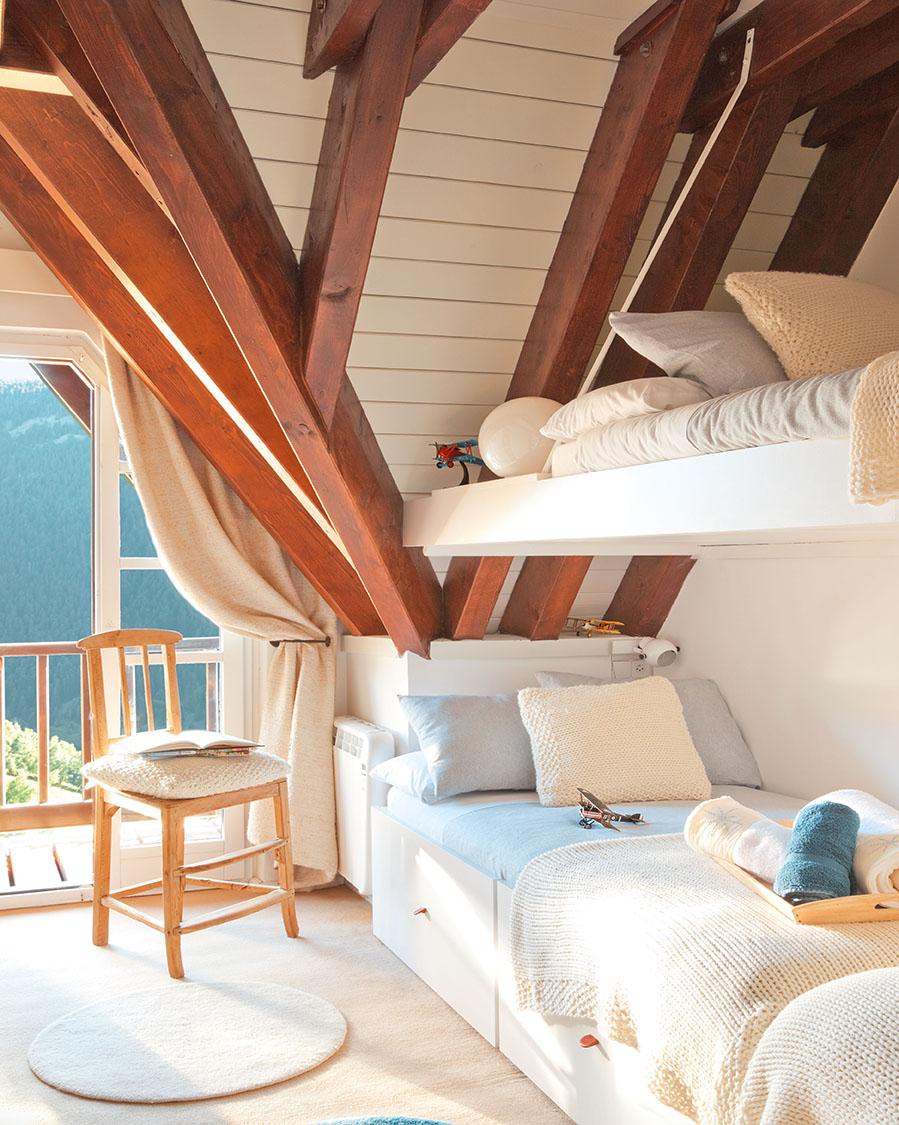 De antigua oscura casa de monta a a refugio blanco y luminoso - Aprovechar espacio piso pequeno ...