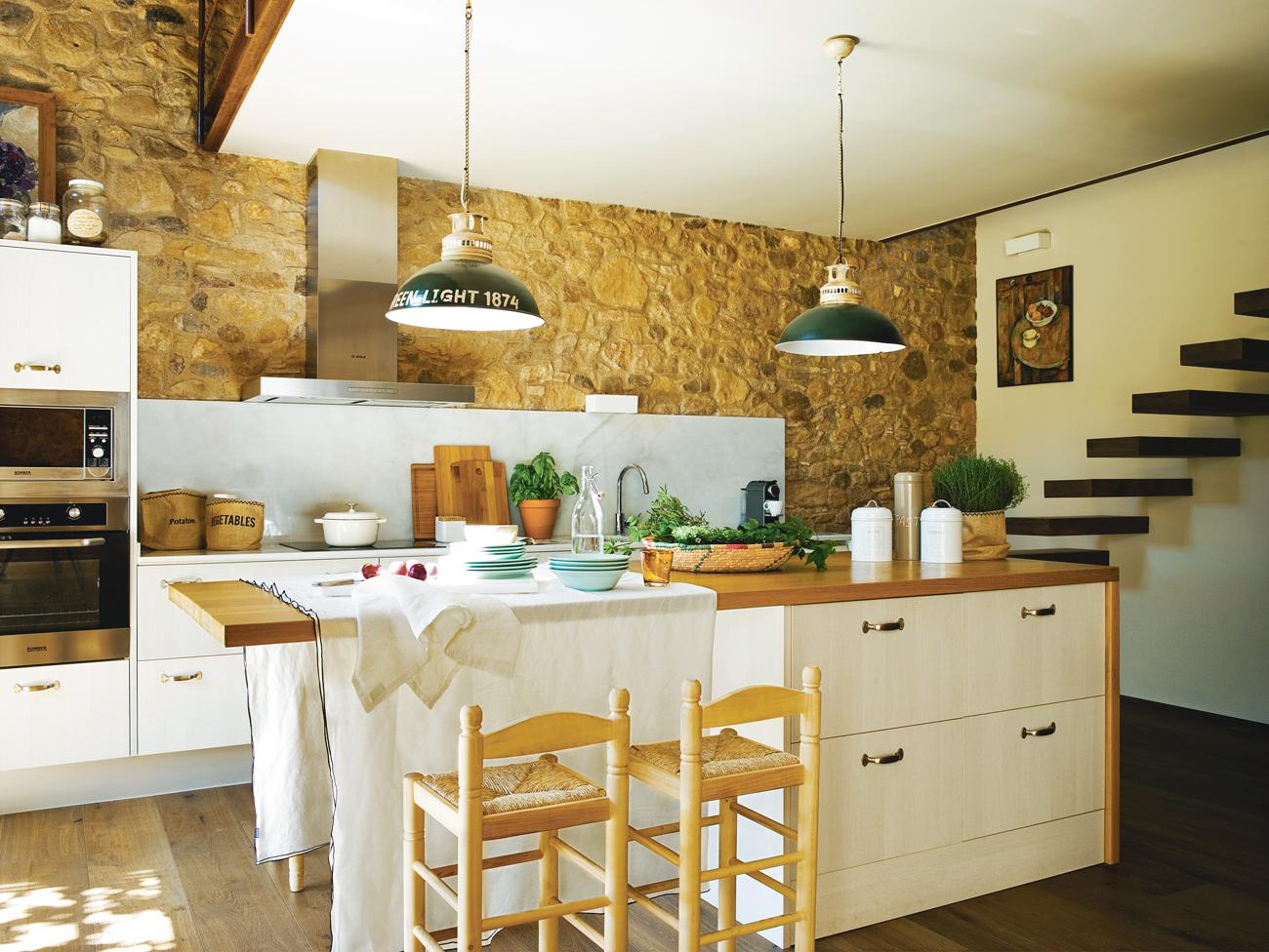 Islas de cocina pr cticas y bonitas - Decorar en blanco y madera ...