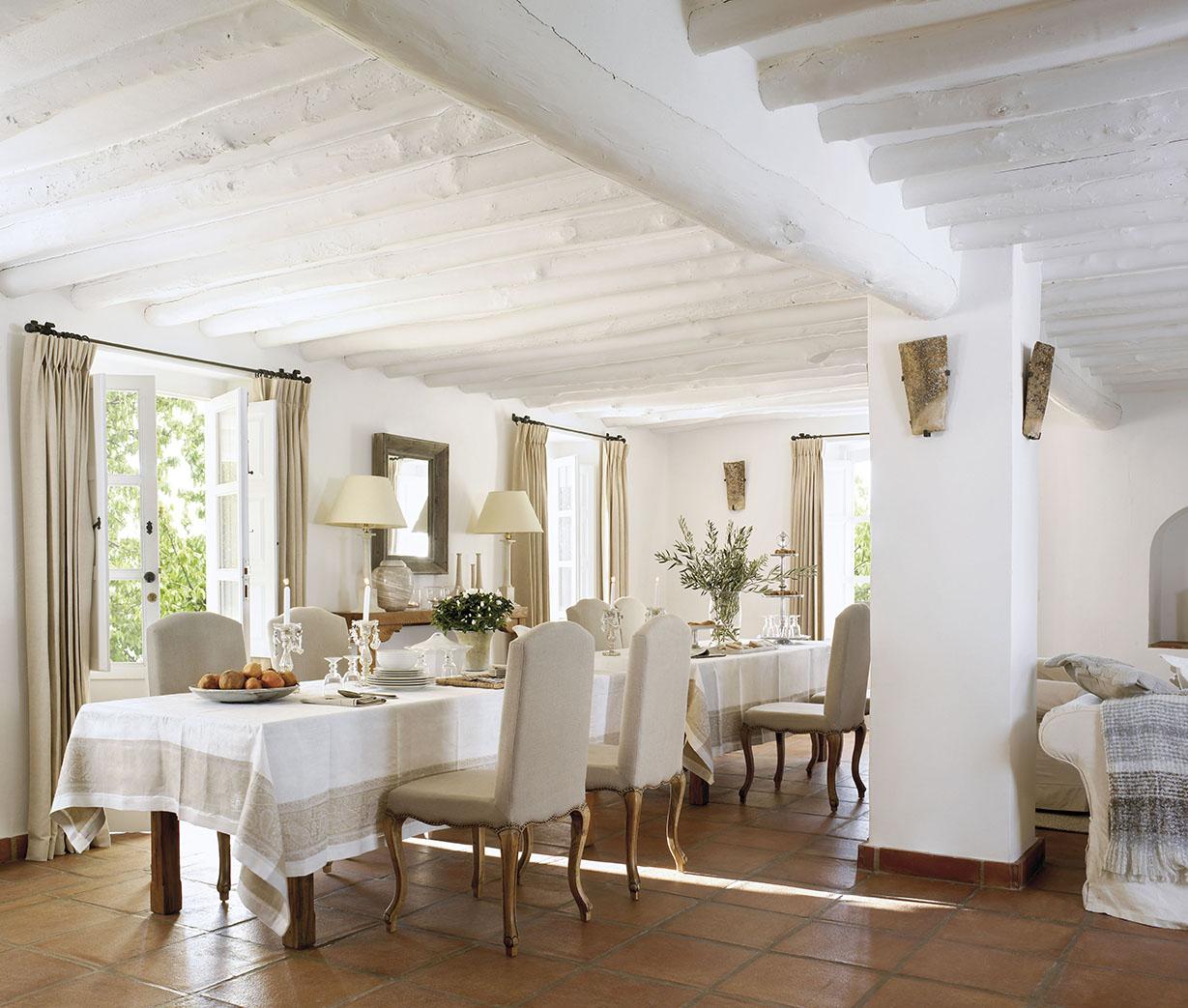 Immense table de salle à manger