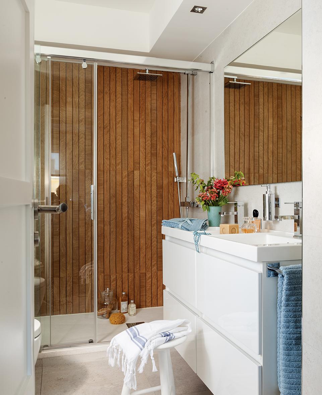Revestimientos tipos ventajas y desventajas for Revestimiento vinilico para paredes de banos