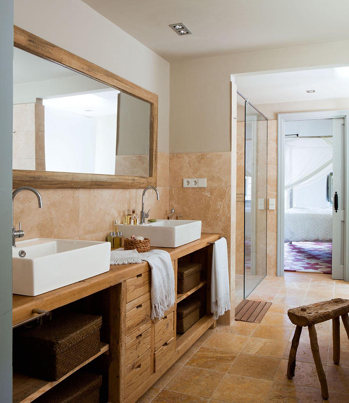Mueble de madera para bano con espejo - Revestimiento de madera ...