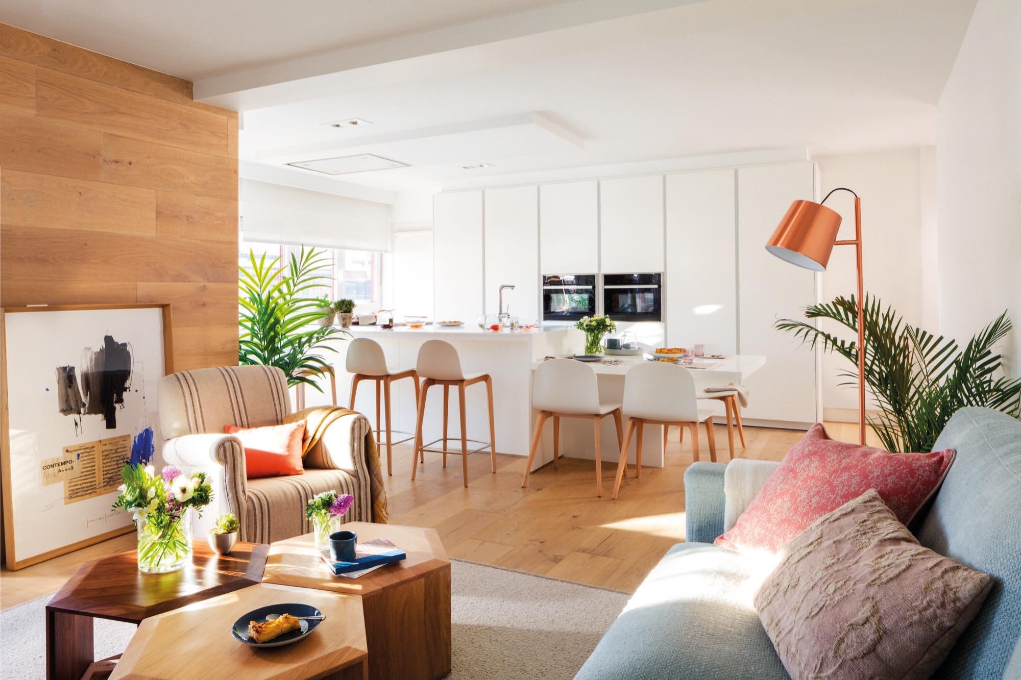 Un piso con historia familiar completamente reformado for Cocina y salon unidos