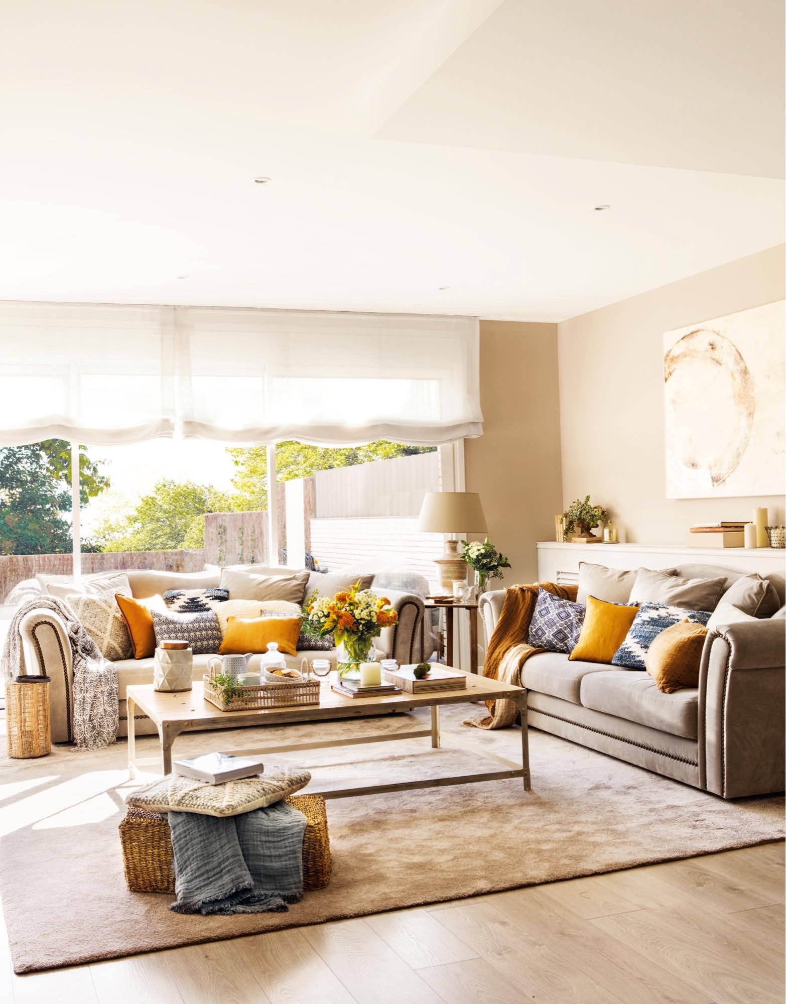 Un chalet actual para una joven pareja y su familia - Hacer cojines sofa ...