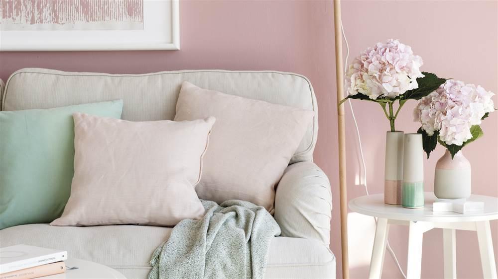 C mo combinar los colores con xito un sal n estilo chic - Mesita auxiliar sofa ...