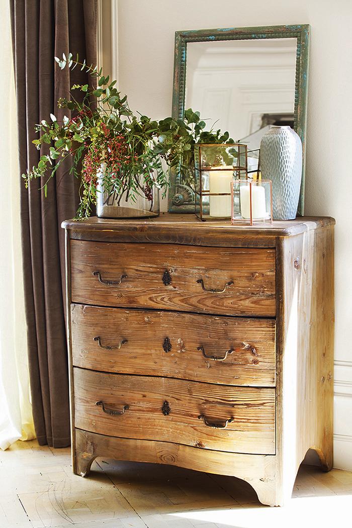 C mo restaurar una c moda antigua for Como restaurar una puerta antigua de madera