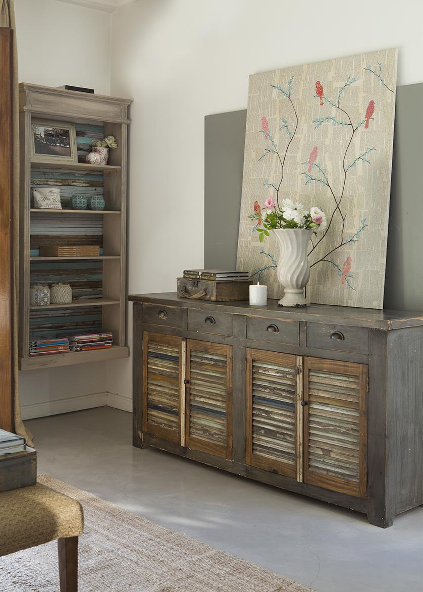 Comodas pintadas cmodas pintadas mo de pintura for Muebles pintados en blanco y gris