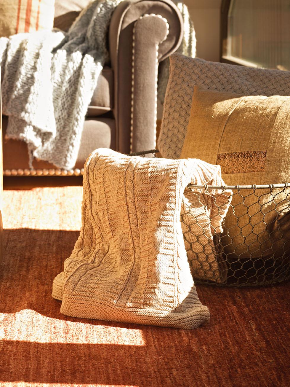 Una casa de monta a en baqueira - Cesto para mantas ...