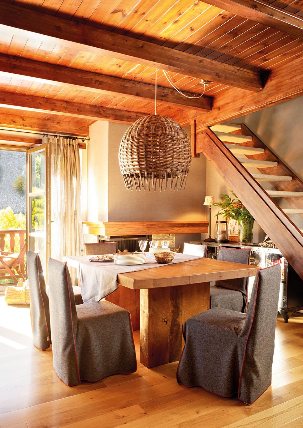Una casa de monta a en baqueira - Tipos de barnices para madera ...