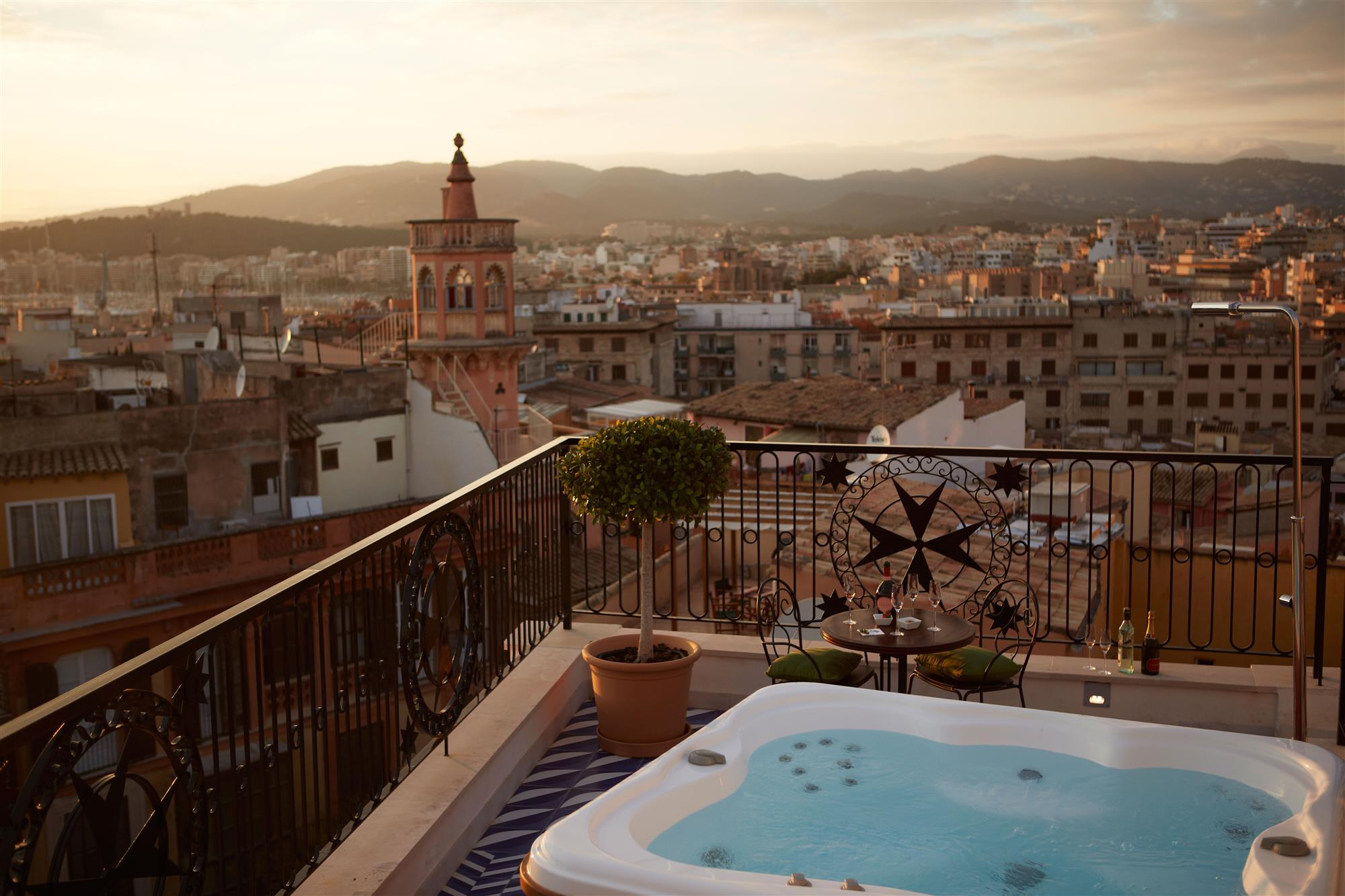 Hotel Cort Mallorca Rooftop-terrace-Island-Suite. Hotel Cort