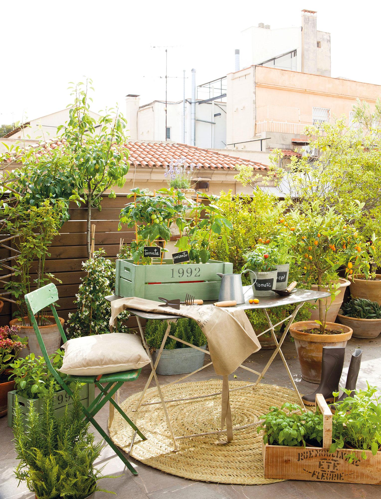 C mo aprovechar la terraza y disfrutarla todo el a o for Sofa baul terraza