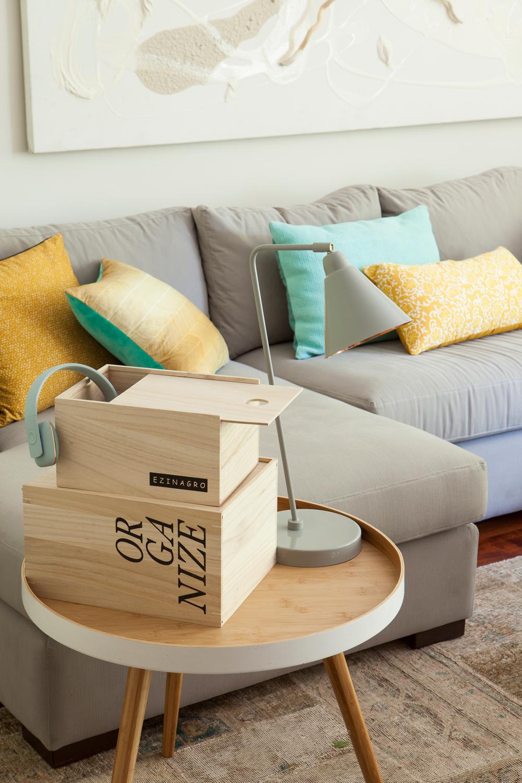 Decora tu casa para combatir la astenia primaveral - Mesita auxiliar sofa ...