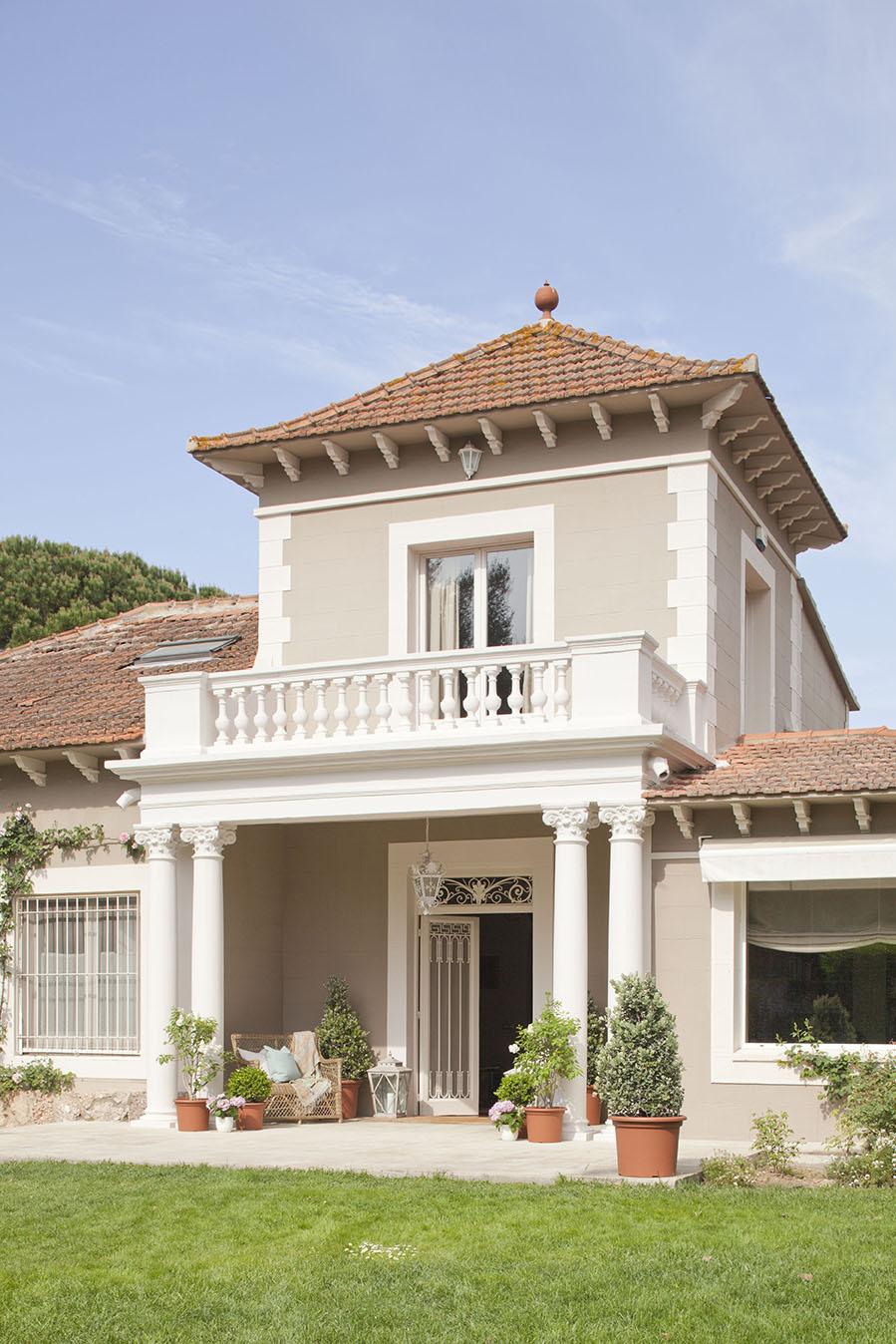 Un casa reformada llena de armon a for Pilares y columnas