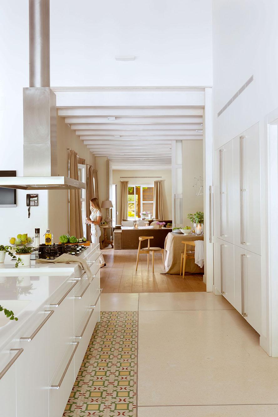 Fotos de una casa r stica por fuera y urbana por dentro - Fotos de casas de lujo por dentro y por fuera ...