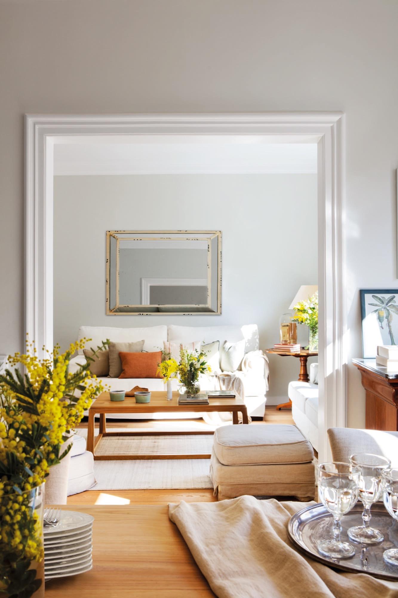 Un piso en barcelona de estructura cl sica con aires actuales for Pisos y decoraciones