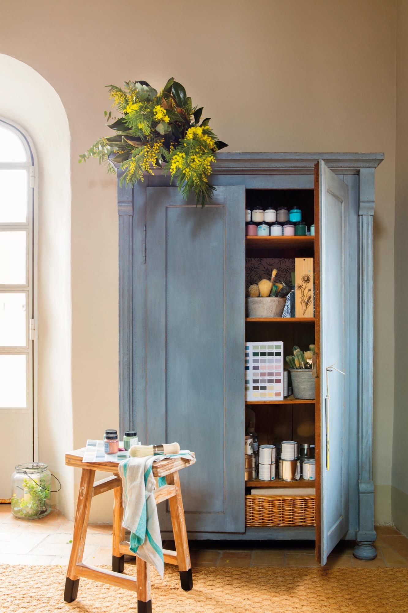 La casa con chalk paint de neus de crea decora recicla for Cocina pintura pato azul