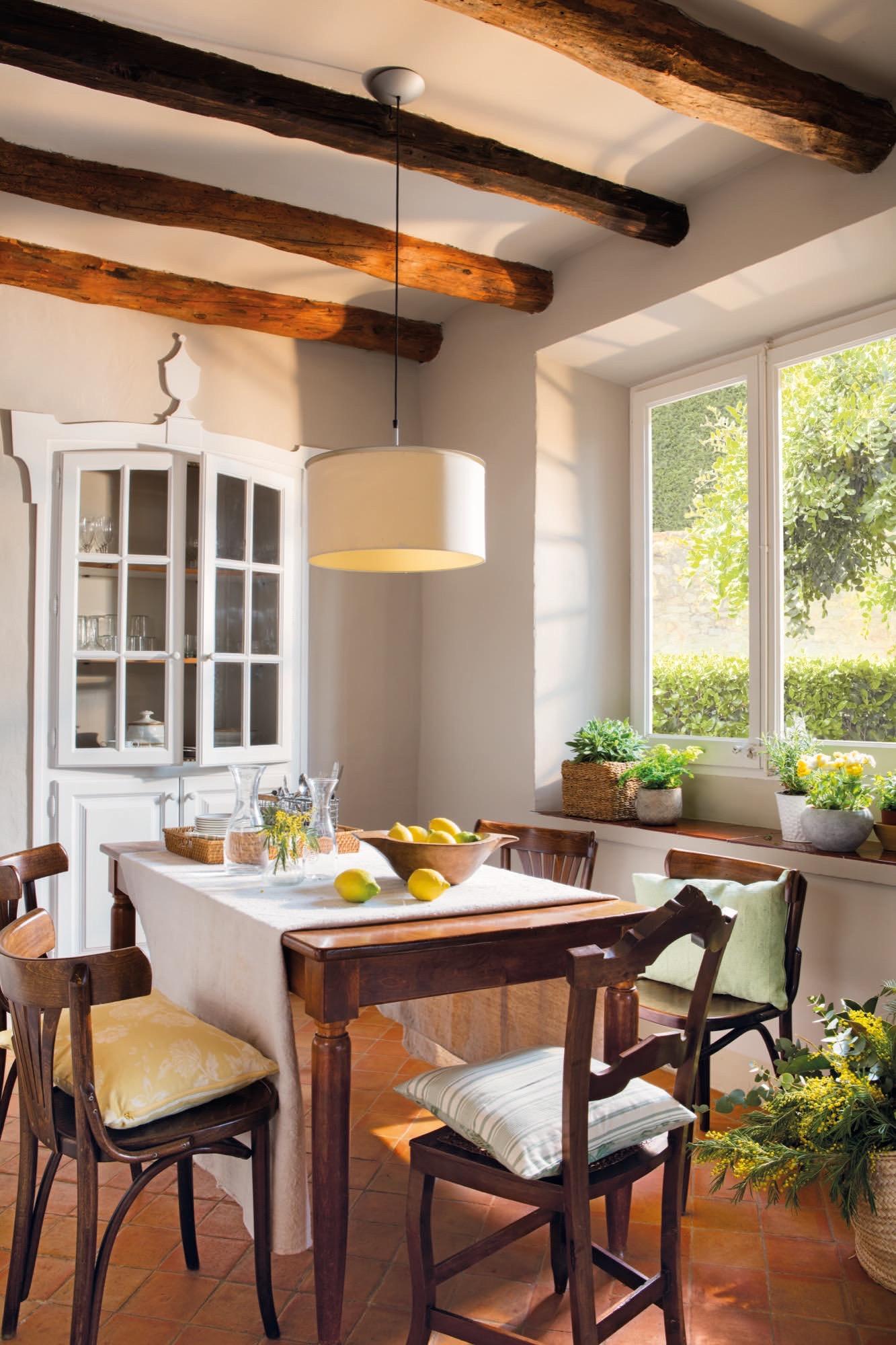 La casa con chalk paint de neus de crea decora recicla - Alacenas de cocina ...