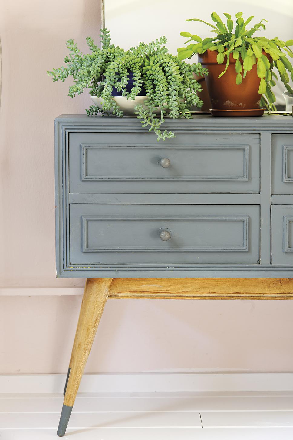 C mo cambiar tu piso s lo con pintura - Como cambiar de color un mueble ...