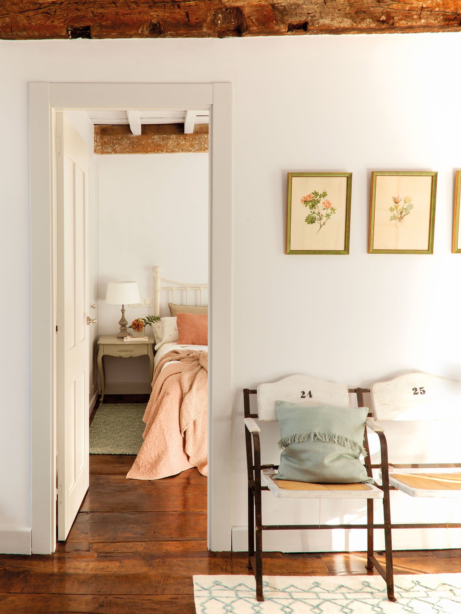 Decorar con flores 12 ideas para vestir tu casa de primavera for Cuadros modernos decoracion para tu dormitorio living
